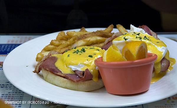 台中精誠,3mins美式漢堡餐廳。雙層起士牛肉,班尼迪克蛋,英式馬馬芬,荷蘭醬_24.jpg