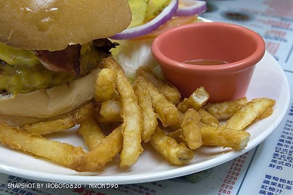 台中精誠,3mins美式漢堡餐廳。雙層起士牛肉,班尼迪克蛋,英式馬馬芬,荷蘭醬_13.jpg