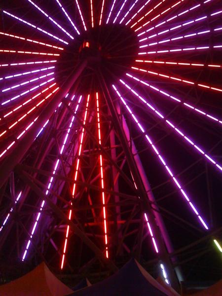 摩天輪的光束