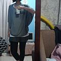 然後呢這是我昨天去買的飛鼠袖衣服