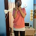 接下來是粉紅色寬寬袖系列
