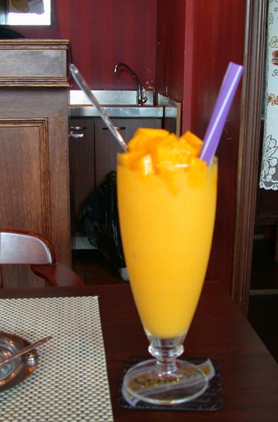 摩威咖啡館_芒果冰沙.JPG