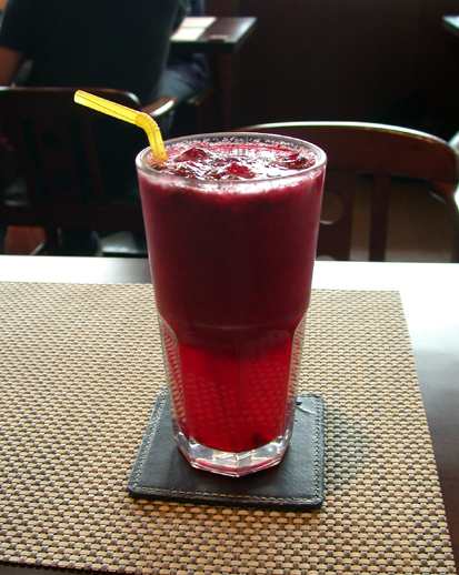 摩威咖啡館_現打的冰蔓越莓汁.JPG