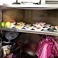 辛發亭_櫃檯裡的水果盤.jpg