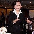 王朝餐廳_Tina正接受訪談.jpg