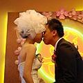 新娘超害羞^^