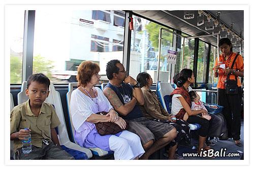 巴里島公車02.jpg