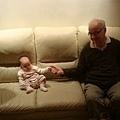 我和 Uncle Ken - 我看起來好小