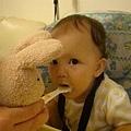 不愛吃飯的小熊寶貝要靠Rrafarel 來幫忙