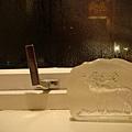 窗戶的把手凍到打不開
