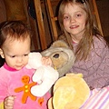 Kari 姐姐讓我玩她的玩偶