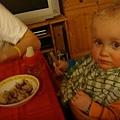 我是小熊寶貝的小堂弟,我很喜歡吃飯