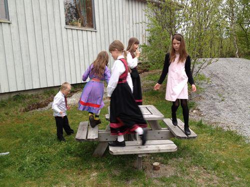 挪威小孩的玩法