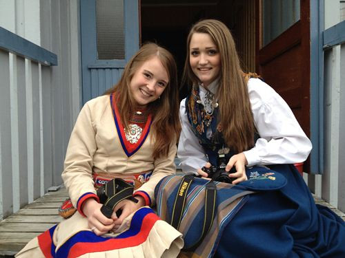好美的兩位挪威姐姐
