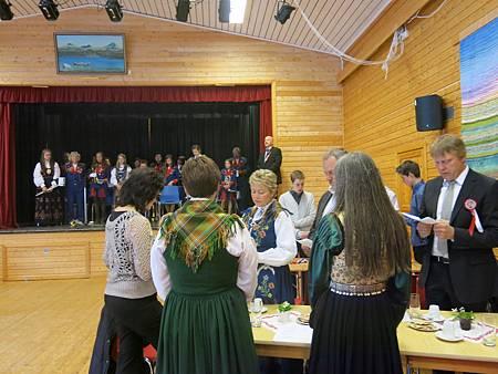 唱挪威國歌