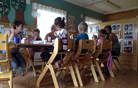 在挪威幼兒園吃中餐