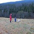 背後就是北極熊拔拔從小打滾到大的挪威森林