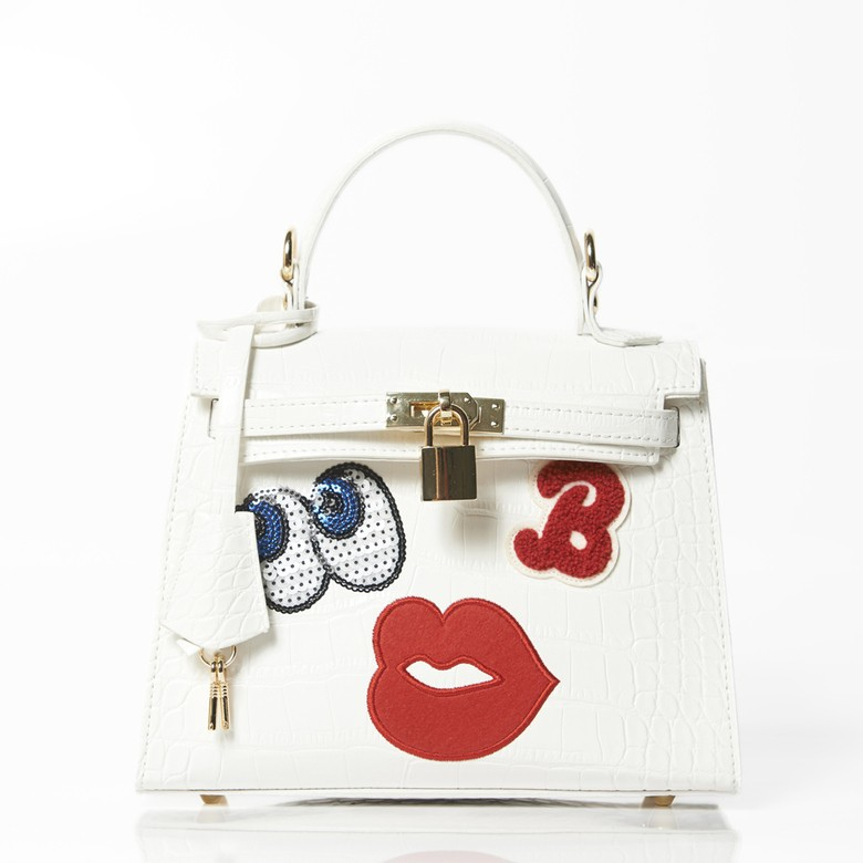 holyday-edition-playnomore-be-shy-girl-shoulder-bag-white-holyday-edition-playnomore-be-shy-girl-shoulder-bag-white-da8
