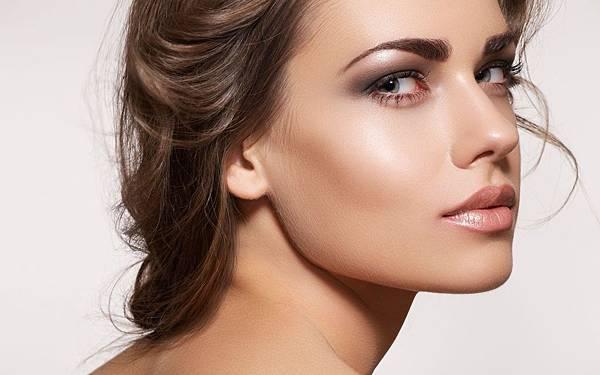brunette_face_makeup_look_model_hd-wallpaper-46665.jpg