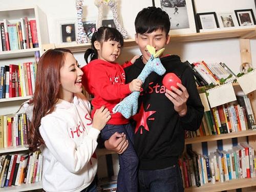親子裝分享 - 韓版couple星星印圖黑白紅連帽厚棉