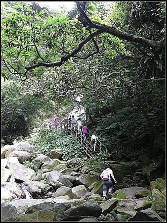 青山瀑布荖梅公園 (27).jpg