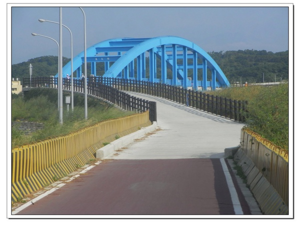 藍天橋.jpg