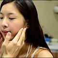 臉頰兩側的鬆弛度不一定相同