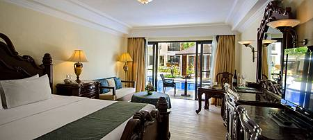 PREMIER ROOM WITH DIRECT POOL ACCESS