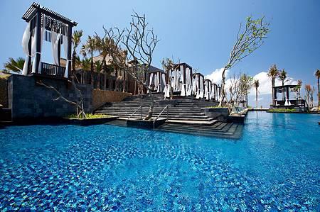 The Strand Pool.jpg
