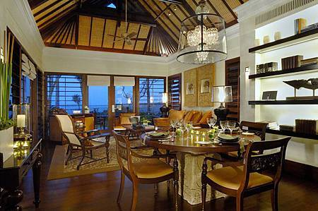 Villa Dining - Living Area.jpg
