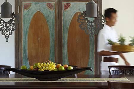 Residence Villa dining area