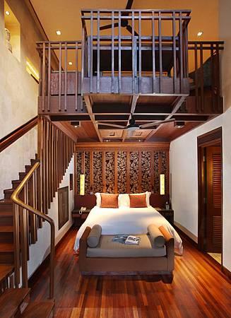 One Bedroom Duplex Suite 2.jpg