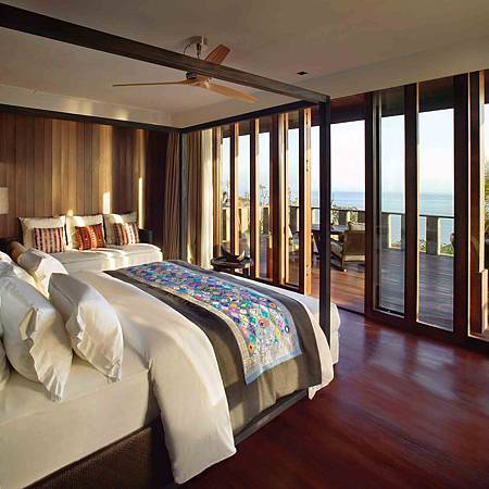 Bulgari Villa Bedroom.jpg