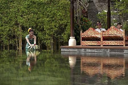 Villa Lobby.jpg