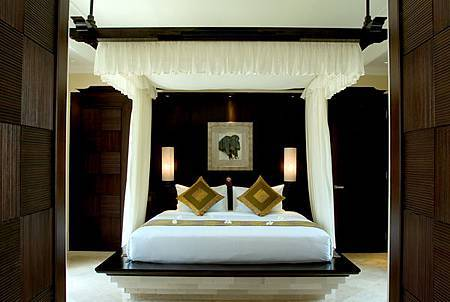 Cliff Villa Bedroom1.jpg