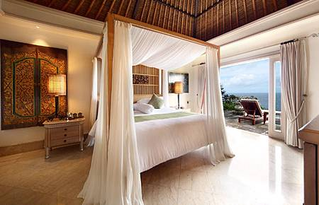 Ocean Villa Bed Room.jpg