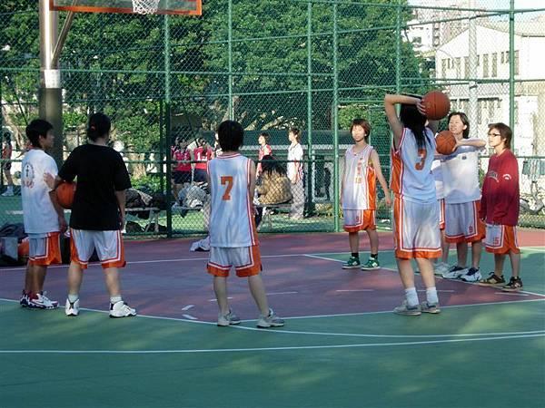 這張圖是從女籃對手那邊偷來的 = =