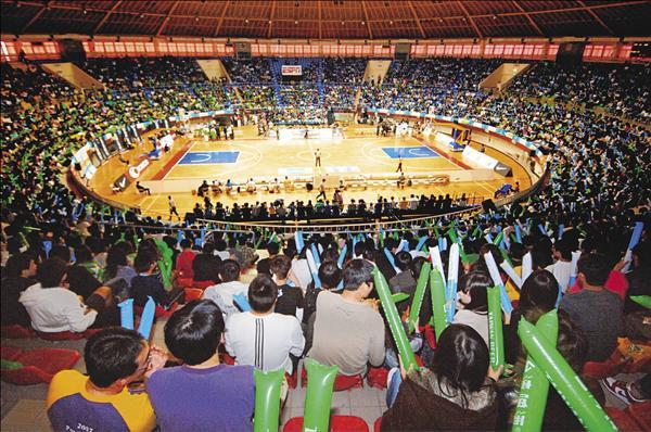 鳳山體育館