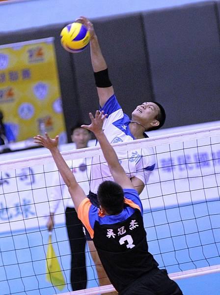 2015 TVL企業男女甲級排球聯賽_黑狗 陳建禎帶領國訓以3比0 戰勝台中連莊