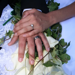 diamond_wedding_rings_250x251.jpg