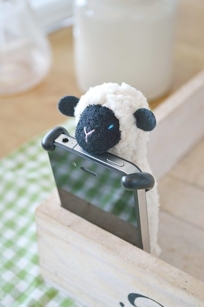 SHEEPY_Ivory_Front_with_iPhoneA