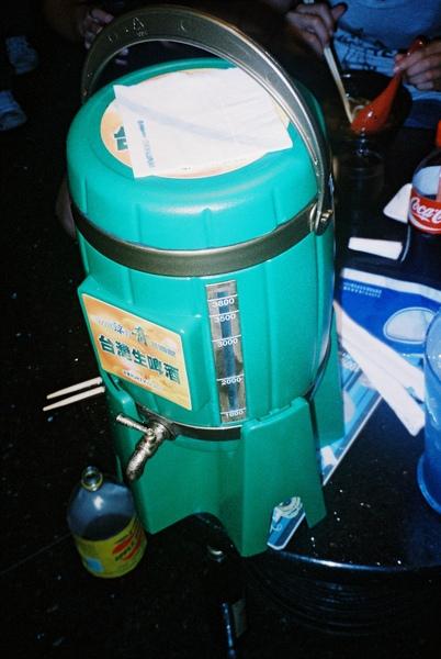 啤酒來一桶