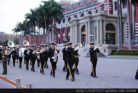 海軍樂隊,升降旗任務