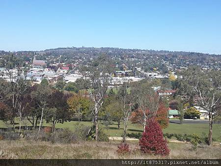 Armidale Drummond Memorial Park看Armidale