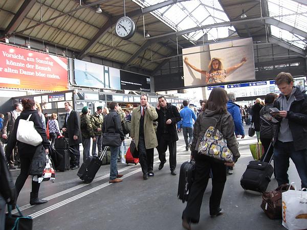 Photo-20100401-瑞士-024火車站.jpg