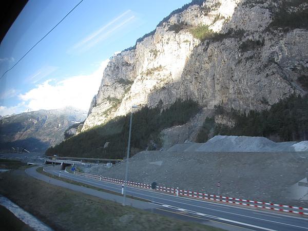 Photo-20100401-瑞士-041到義大利途中風景.jpg