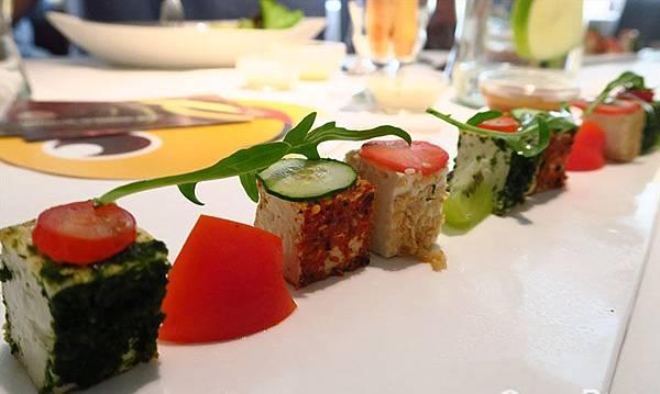 10_舒果新米蘭蔬食_方塊豆腐沙拉.jpg