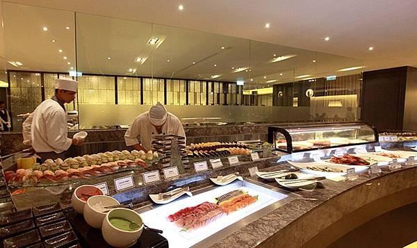 11_高雄麗尊酒店Cercle Buffet & Restaurant 艾可柏菲_日式料理區.jpg