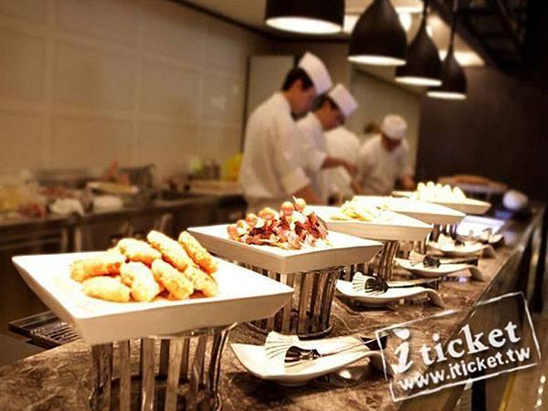 19_高雄麗尊酒店Cercle Buffet & Restaurant 艾可柏菲_烤物、炸物區.jpg