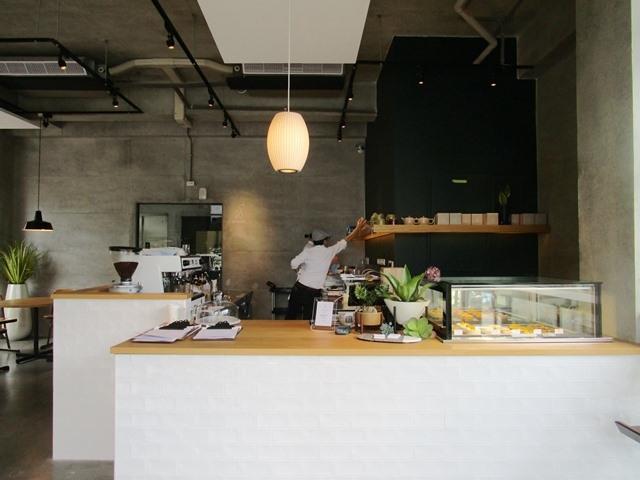 2018-6-8walk in cafe 019.JPG